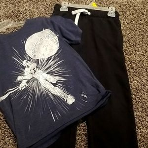 Short sleeve top and sweatpants